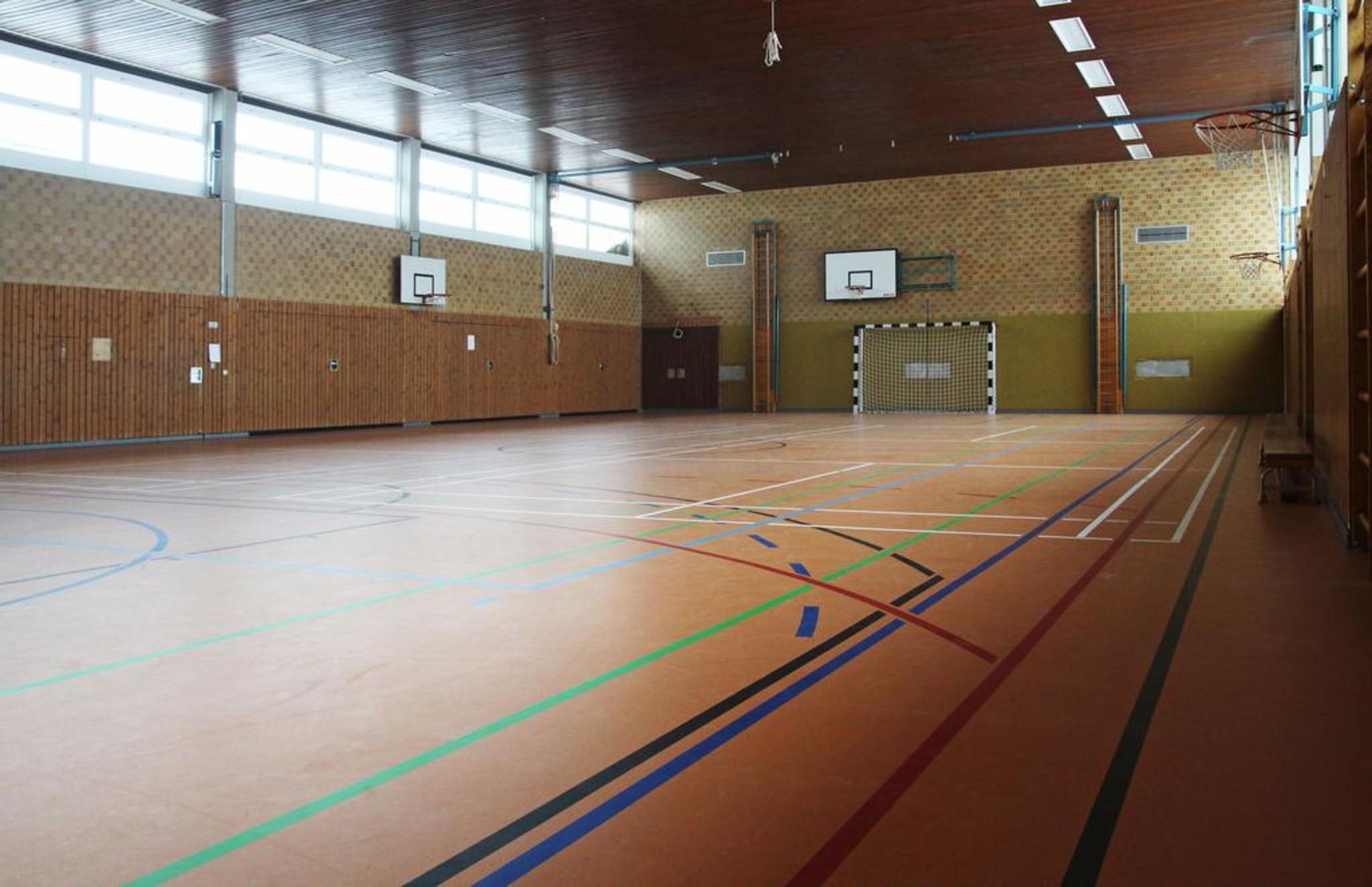 Turnhalle1